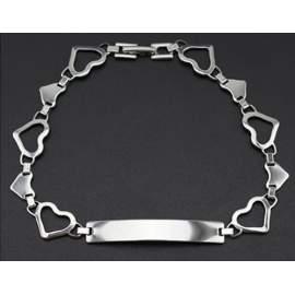Bracelet personnalisé femme avec chaîne motifs cœurs