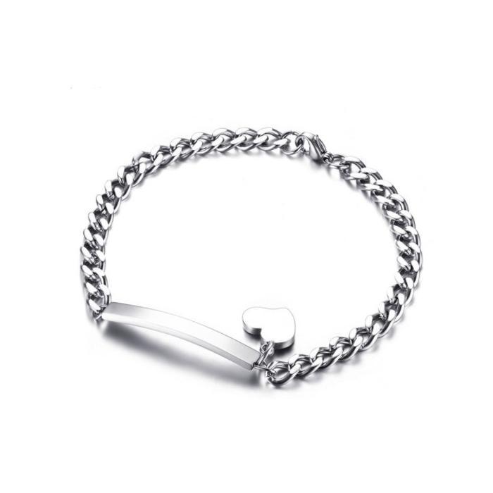Bracelet cœur gravé pour femmes
